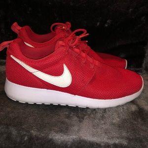 Red Nike Roshe one